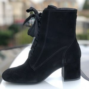 Comfortable ankle lace-up boots made by Paul Green